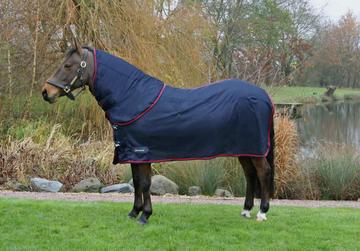 DefenceX System WicX Navy & Red Cooler Rug with Detachable Neck Cover