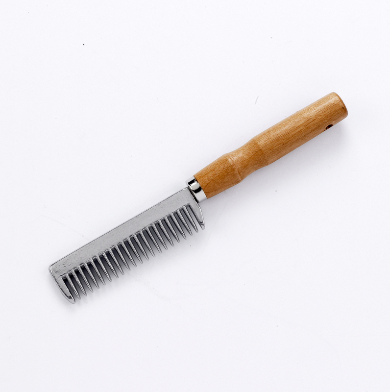 Tail Comb With Wooden Handler